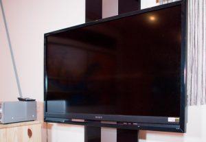 大型テレビモニター  DVD